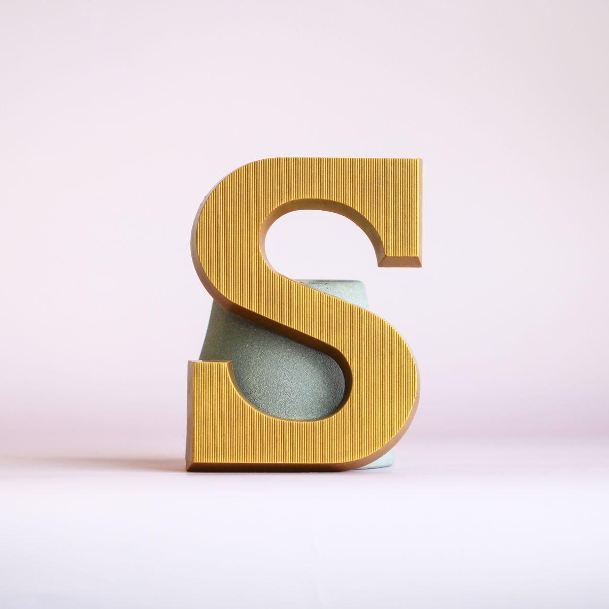 kleine letter s goud puur